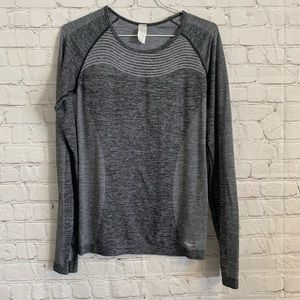 Saucony Workout Athletic Long Sleeve Shirt